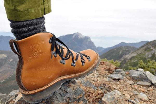 Наиболее удобной обувью в походе