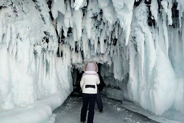 пещера на Байкале